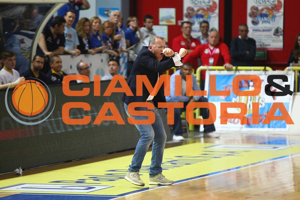 DESCRIZIONE : Cremona Lega A 2012-2013 Vanoli Cremona Cimberio Varese<br /> GIOCATORE : Luigi Gresta Coach<br /> SQUADRA : Vanoli Cremona<br /> EVENTO : Campionato Lega A 2012-2013<br /> GARA : Vanoli Cremona Cimberio Varese<br /> DATA : 21/04/2013<br /> CATEGORIA : Coach<br /> SPORT : Pallacanestro<br /> AUTORE : Agenzia Ciamillo-Castoria/F.Zovadelli<br /> GALLERIA : Lega Basket A 2012-2013<br /> FOTONOTIZIA : Cremona Campionato Italiano Lega A 2012-13 Vanoli  Cremona Cimberio Varese<br /> PREDEFINITA :