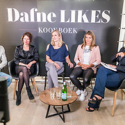 NLD/Amsterdam//20170509 - Boeklancering Dafne Schippers - Dafne Likes, Dafne Schippers, Sanne Schippers en Antoinnette Scheulderman