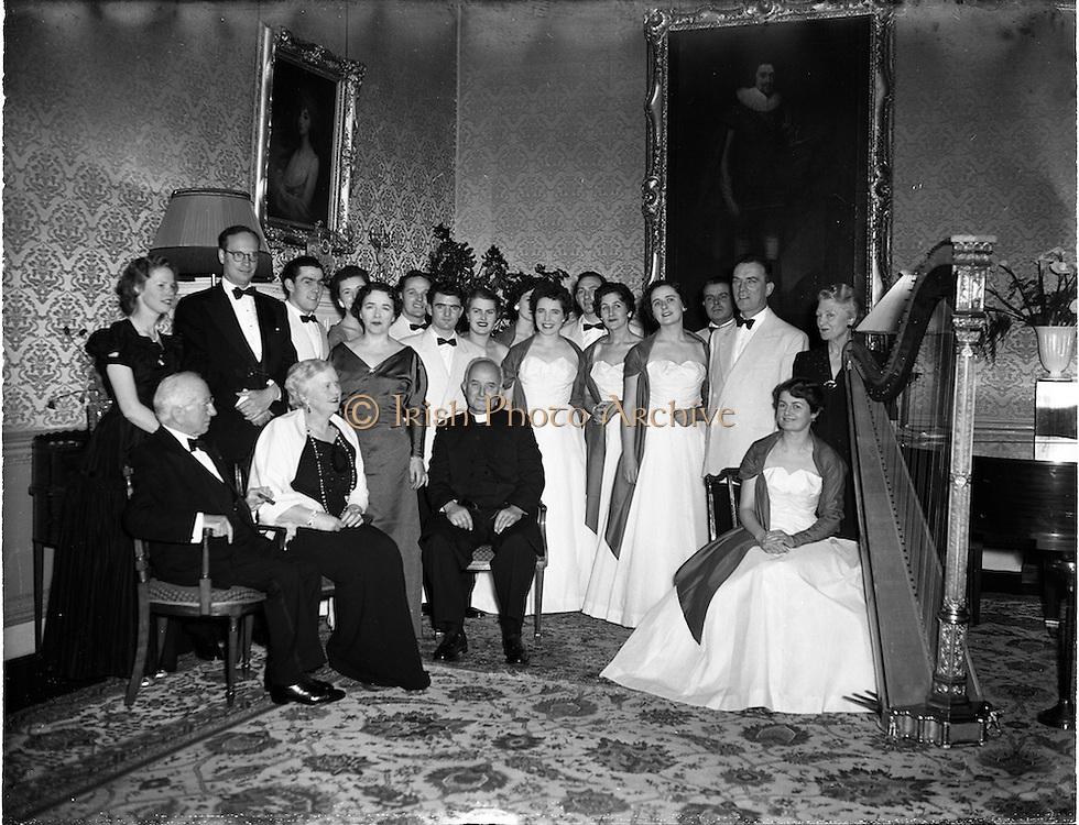 05/01/1956<br /> 01/05/1956<br /> 05 January 1956<br /> Festival singers entertain President Sean T. O'Kelly at Aras an Uachtarain.