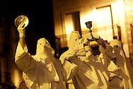 17/04/14 - SAUGUES - HAUTE LOIRE - FRANCE - Procession des Penitents Blancs lors du Jeudi Saint - Photo Jerome CHABANNE - Contact: 06 07 33 72 57