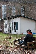 Ein eigenes Häuschen: Fledermaus freut sich<br /> auf die Zeit in der Kirchenkate. In ihrem kleinen<br /> Garten will sie den SOMMER genießen.