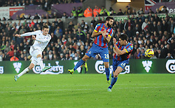 Swansea City's Gylfi Sigurosson comes close with a volly. - Photo mandatory by-line: Alex James/JMP - Mobile: 07966 386802 - 29/11/2014 - Sport - Football - Swansea -  - Swansea v Crystal palace  - Barclays Premier League