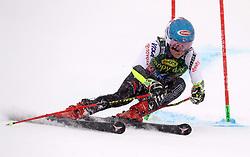 27.10.2018, Rettenbach Ferner, Sölden, AUT, FIS Weltcup Ski Alpin, Sölden, Riesenslalom, Damen, 2. Lauf, im Bild Mikaela Shiffrin (USA) // Mikaela Shiffrin (USA) in action during her 2nd run of ladie's Giant Slalom of the FIS Ski Alpine Worldcup opening at the Rettenbach Ferner in Sölden, Austria on 2018/10/27. EXPA Pictures © 2018, PhotoCredit: EXPA/ SM<br /> <br /> *****ATTENTION - OUT of GER*****