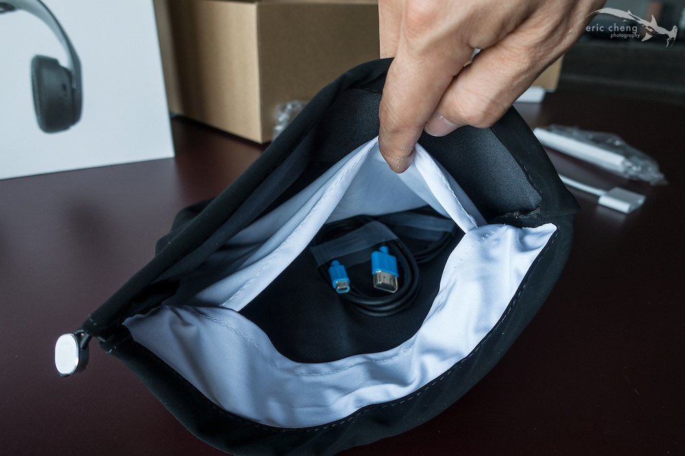 The bag has an inner pocket for accessories. Avegant Glyph Founder's Edition
