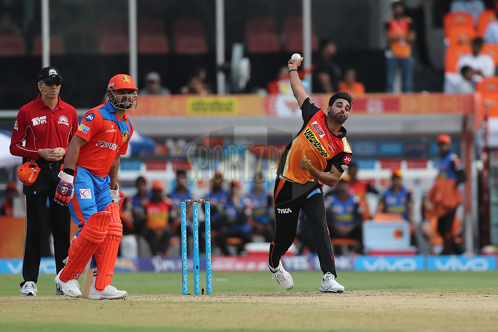 Bhuvneshwar Kumar of the Sunrisers Hyderabad during match 6 of the Vivo 2017 Indian Premier League between the Sunrisers Hyderabad and the Gujarat Lions held at the Rajiv Gandhi International Cricket Stadium in Hyderabad, India on the 9th April 2017<br /> <br /> Photo by Ron Gaunt - IPL - Sportzpics