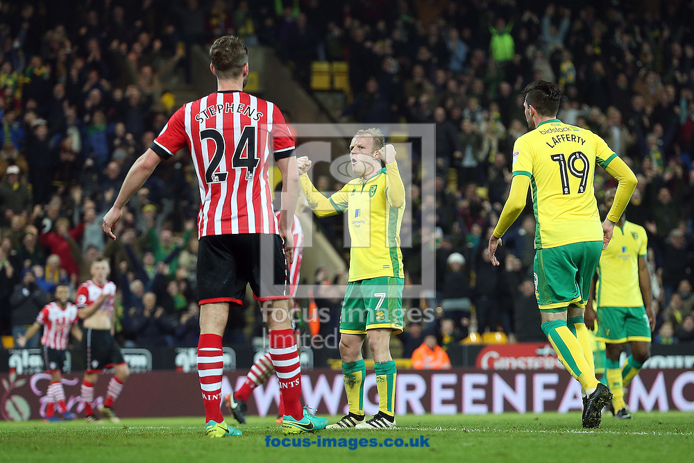 Steven Naismith of Norwich celebrates scoring his sides 2nd goal during the third round of the FA Cup at Carrow Road, Norwich<br /> Picture by Paul Chesterton/Focus Images Ltd +44 7904 640267<br /> 07/01/2017