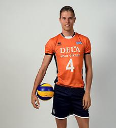 13-05-2014 NED: Selectie Nederlands volleybal team mannen, Arnhem<br /> Op Papendal werd het Nederlands team volleybal seizoen 2014-2015 gepresenteerd / Thijs ter Horst