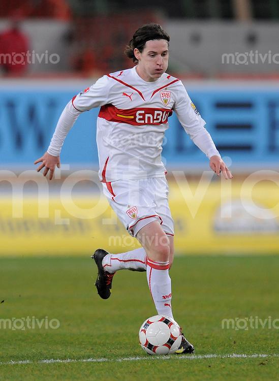Fussball 1. Bundesliga :  Saison   2009/2010   15. Spieltag   05.12.2009 VfB Stuttgart - VfL Bochum  Sebastian Rudy (VfB) am Ball