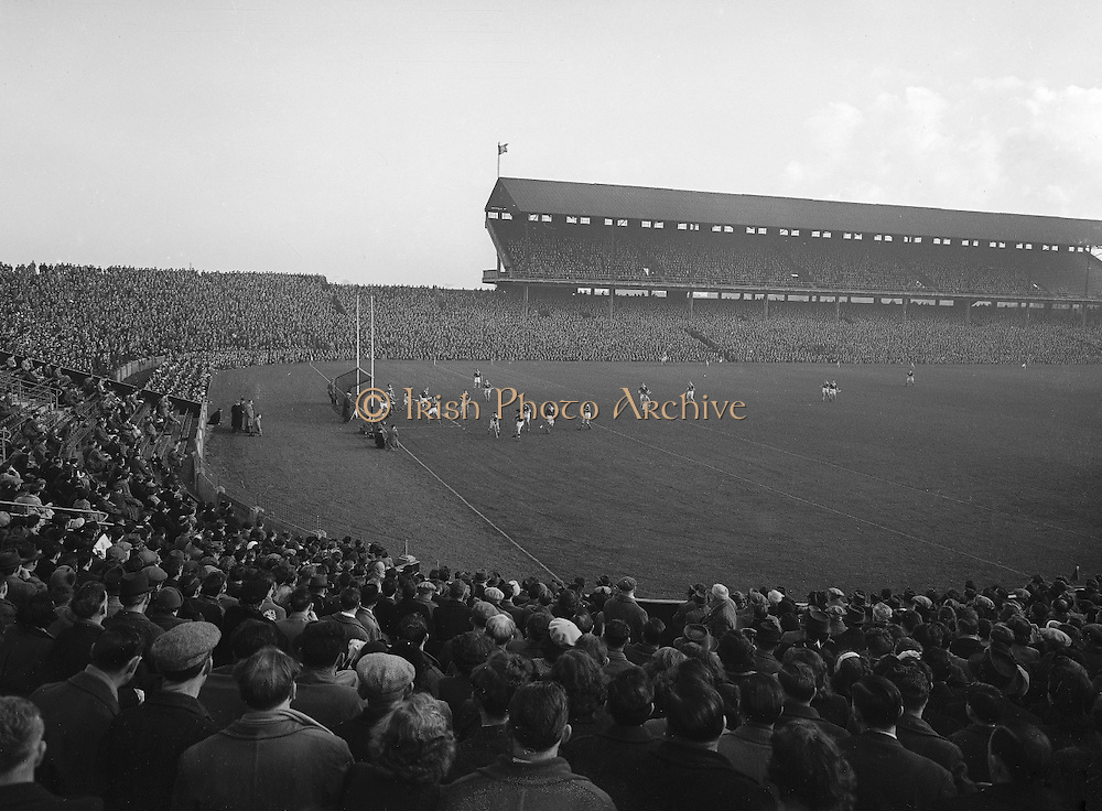 1953.155/2185-2186.17031953IPHCF.17.03.1953.17. March 1953.17. Mar 1953.Interprovincial Railway Cup Hurling Championship - Final..Munster.5-7.Leinster.5-5.........