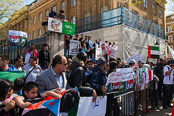 Whitehall, London, April 18th 2015. Scores of Yemenis demonstrate opposite Downing Street supporting Saudi attacks on Houthi rebel targets and demanding self determination for South Yemen where tribal, ideological and sectarian conflicts are at the seat of a new threats to regional peace.