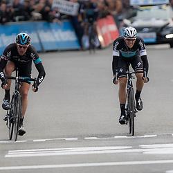 28-02-2015: Wielrennen: Omloop het Nieuwsblad: Gent<br /> GENT (Bel): De omloop het Nieuwsblad is de openingskoers in BeNeLux.  De wedstrijd door de Vlaamse Ardennen is bij de mannen dit jaar aan zijn 70e editie toe. Ian Stannard wint zijn tweede omloop Nieuwsblad