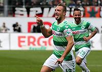 BILDET INNGÅR IKEK I FASTAVTALER. ALL NEDLASTING BLIR FAKTURERT.<br /> <br /> Fotball<br /> Tyskland<br /> Foto: imago/Digitalsport<br /> NORWAY ONLY<br /> <br /> 17.04.2016 - Fussball - Saison 2015 2016 - 2. Fussball - Bundesliga - 30. Spieltag: SpVgg Greuther Fürth Fuerth - Fortuna Düsseldorf F95 - / DaMa - Jubel nach Tor zum 2:1 - Veton Berisha (19, SpVgg Greuther Fürth ) Sebastian Heidinger (29, SpVgg Greuther Fürth ) - Freude / Torjubel - Torschütze: Veton Berisha (19, SpVgg Greuther Fürth )