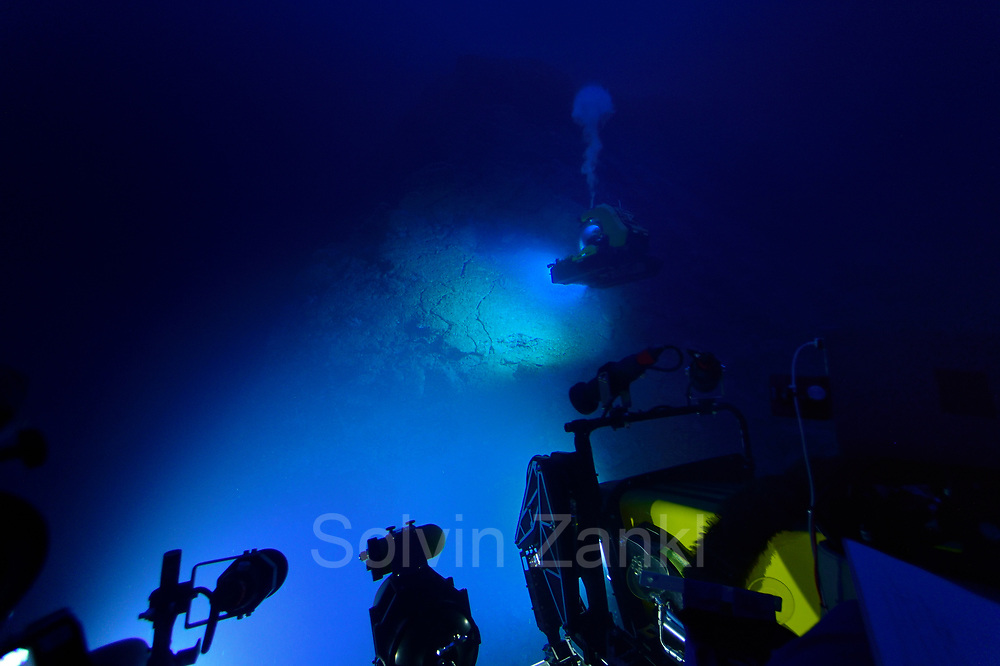 submersible Deep Rover. Central equatorial Atlantic Ocean, Saint Peter and Saint Paul Archipelago, Brazil #STP17 [first published through bioGraphic, a program of the California Academy of Sciences] |