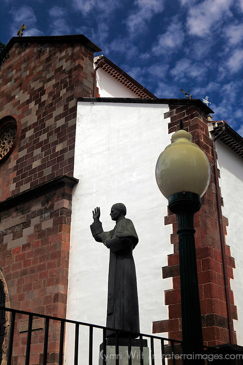Europe, Portugal, Madeira. Cathedral of Funchal with statue of Pope John Paul II.