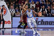 DESCRIZIONE : Campionato 2015/16 Serie A Beko Dinamo Banco di Sardegna Sassari - Umana Reyer Venezia<br /> GIOCATORE : Jarvis Varnado<br /> CATEGORIA : Palleggio Controcampo<br /> SQUADRA : Dinamo Banco di Sardegna Sassari<br /> EVENTO : LegaBasket Serie A Beko 2015/2016<br /> GARA : Dinamo Banco di Sardegna Sassari - Umana Reyer Venezia<br /> DATA : 01/11/2015<br /> SPORT : Pallacanestro <br /> AUTORE : Agenzia Ciamillo-Castoria/L.Canu