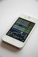 White iPhone 4s with stock reports