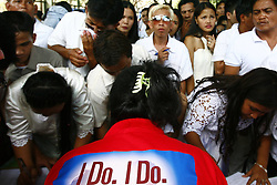 Couples register for a Valentine s Day mass wedding in Quezon City, the Philippines, Feb. 14, 2013. About 4000 couples around the Philippines were married in celebration of Valentine s Day, February 14, 2013. Photo by Imago / i-Images...UK ONLY