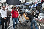 Turkey. Istambul.  Cakmacilar Yokusu Street in the  Old Bazar / la rue Cakmacilar Yokusu dans le bazar.