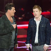 NLD/Amsterdam/20131122 - The Voice of Holland 2013 2de show, Matt Haenes met Martijn Krabbe