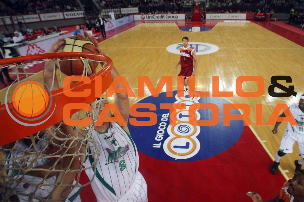 DESCRIZIONE : Roma Lega A 2009-10 Basket Lottomatica Virtus Roma Air Avellino<br /> GIOCATORE : Filip Dylewicz<br /> SQUADRA : Air Avellino <br /> EVENTO : Campionato Lega A 2009-2010<br /> GARA : Lottomatica Virtus Roma Air Avellino<br /> DATA : 25/10/2009<br /> CATEGORIA : rimbalzo special<br /> SPORT : Pallacanestro<br /> AUTORE : Agenzia Ciamillo-Castoria/G.Ciamillo