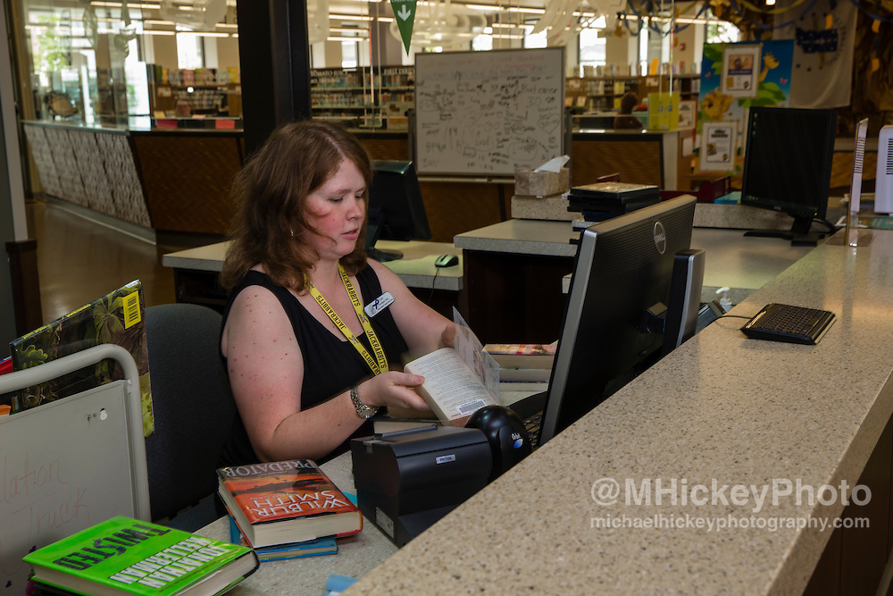 Kokomo Howard County Public Library <br /> <br /> Commercial photography by Michael Hickey Kokomo Howard County Library photography for website.