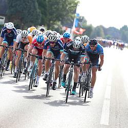 30-09-2016: Wielrennen: Olympia Tour: Zutphen  <br />ZUTPHEN (NED) wielrennen  <br />Richting de eerste finishpassage in Zutphen ging het tempo omhoog en gind het peloton in waaiers uiteen