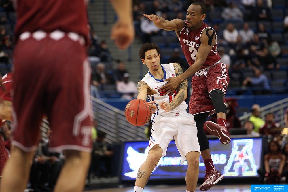 Nic Moore, SMU, is challenged by Will Cummings, (right), Temple, during the Temple Vs SMU Semi Final game at the American Athletic Conference Men's College Basketball Championships 2015 at the XL Center, Hartford, Connecticut, USA. 14th March 2015. Photo Tim Clayton