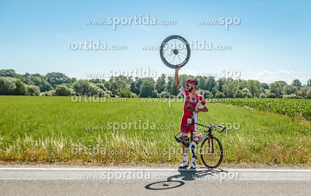 05.07.2017, Altheim, AUT, Ö-Tour, Österreich Radrundfahrt 2017, 3. Etappe von Wieselburg nach Altheim (226,2km), im Bild Loic Chetout (FRA, Cofidis Solutions Credits) // Loic Chetout (FRA, Cofidis Solutions Credits) during the 3rd stage from Wieselburg to Altheim (199,6km) of 2017 Tour of Austria. Altheim, Austria on 2017/07/05. EXPA Pictures © 2017, PhotoCredit: EXPA/ JFK