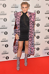 Tallia Storm bei den BBC Radio 1 Teen Awards in London / 231016<br /> <br /> *** BBC Radio 1 Teen Awards in London on October 23, 2016 ***