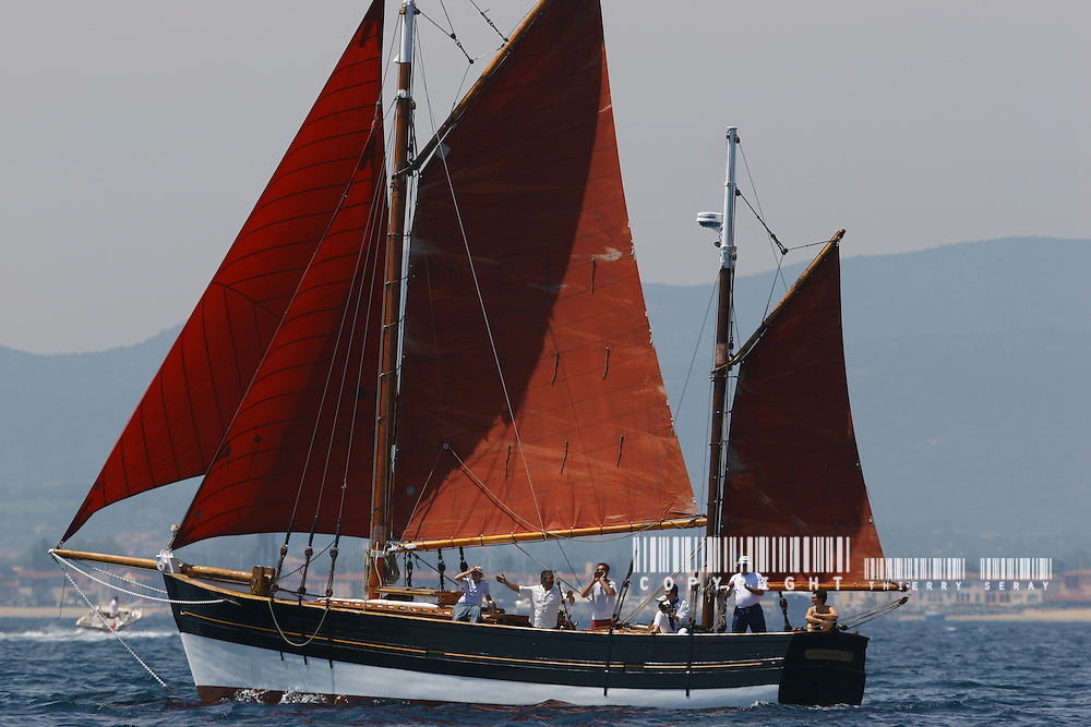 Dating back to Roman navigation, the lateen became the favourite sail of the Age of Discovery. It is common in the Mediterranean, the upper Nile, and the northwestern parts of the Indian Ocean, where it is the standard rig for feluccas and dhows. The lateen is used today in a slightly different form on small recreational boats like the highly popular Sailfish and Sunfish, but is still used as a working rig by coastal fishermen in the Mediterranean.