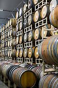 Inne i The Blending House hos Cascade Brewing &auml;r luften sval och fuktig. I taket finns ett sprinklersystem som v&auml;ter &ouml;ltunnorna. <br /> Portland, Oregon, USA<br /> Foto: Christina Sj&ouml;gren