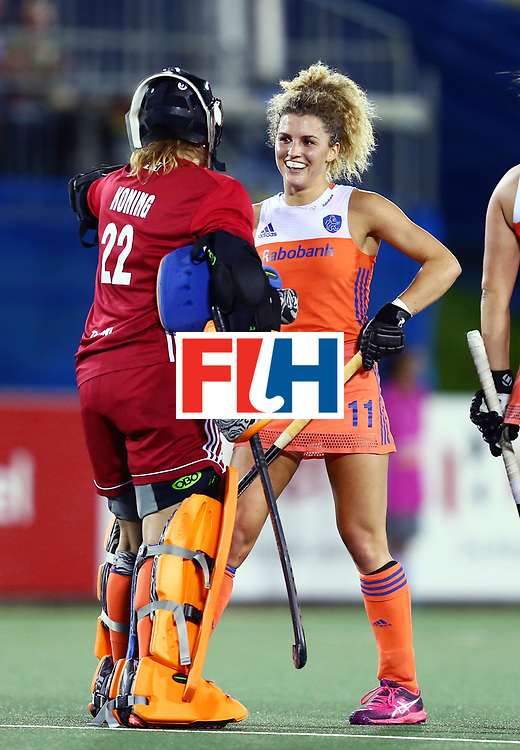 New Zealand, Auckland - 26/11/17  <br /> Sentinel Homes Women&rsquo;s Hockey World League Final<br /> Harbour Hockey Stadium<br /> Copyrigth: Worldsportpics, Rodrigo Jaramillo<br /> Match ID: 10322 - NED vs NZL<br /> Photo: (11) VERSCHOOR Maria and (22) KONING Josine&nbsp;(GK)