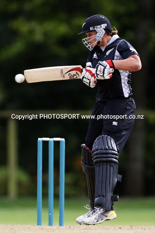 Suzie Bates batting, New Zealand White Ferns v Australia, Rosebowl cricket series, One day international, Queens Park, Invercargill. 7 March 2010. Photo: William Booth/PHOTOSPORT