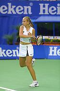 Sport,Tennis,Grand Slam,<br /> Australian Open in Melbourne, Jelena Dokic (AUS) in Aktion,action,Schlagende, Hochformat,Ganzkoerper,Einzelbild,