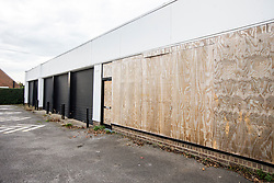 © Licensed to London News Pictures. 30/10/2017. Northallerton, UK. GV shows the derelict former tyre garage where witnesses reported seeing a large number of police in Northallerton, North Yorkshire, where two boys aged 14 have been arrested by counter terror police on suspicion of preparing an act of terrorism. Photo credit: Andrew McCaren/LNP