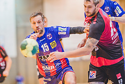 29.09.2018, Sporthalle Leoben-Donawitz, Leoben, AUT, HLA, Union JURI Leoben vs Sparkasse Schwaz HANDBALL TIROL, im Bild Maximilian Maier (Union JURI Leoben), Alexander Pyshkin (Sparkasse Schwaz HANDBALL TIROL) // during the Handball League Austria, match between Union JURI Leoben vs Sparkasse Schwaz HANDBALL TIROL at the sport Hall, Leoben, Austria, 2018/09/29, EXPA Pictures © 2018, PhotoCredit: EXPA/ Dominik Angerer
