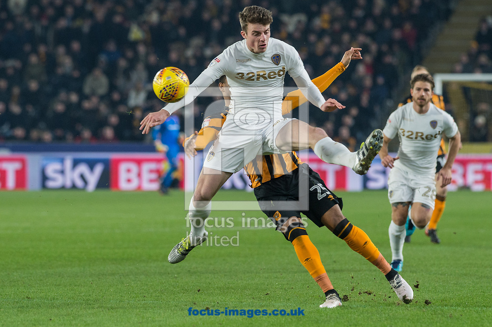 Pablo Hernandez of Leeds United in a clash with Fraizer Campbell of Hull City during the Sky Bet Championship match at the KCOM Stadium, Hull<br /> Picture by Matt Wilkinson/Focus Images Ltd 07814 960751<br /> 30/01/2018
