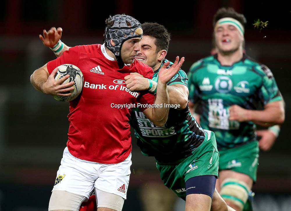 Guinness PRO12, Thomond Park, Limerick 28/11/2015<br /> Munster vs Connacht<br /> Munster's Duncan Williams with Tiernan O'Halloran of Connacht <br /> Mandatory Credit &copy;INPHO/Dan Sheridan