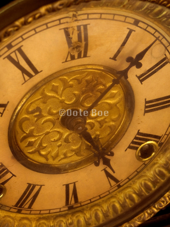 an old to windup clock