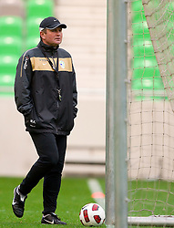 Head coach Matjaz Kek during the Slovenia training session at Stozice stadium on October 7, 2010 in SRC Stozice, Ljubljana, Slovenia. (Photo by Vid Ponikvar / Sportida)