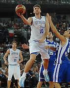 DESCRIZIONE : Roma Amichevole preparazione Eurobasket 2007 Italia Grecia <br /> GIOCATORE : Andrea Bargnani <br /> SQUADRA : Nazionale Italia Uomini <br /> EVENTO : Amichevole preparazione Eurobasket 2007 Italia Grecia <br /> GARA : Italia Grecia <br /> DATA : 30/08/2007 <br /> CATEGORIA : Tiro <br /> SPORT : Pallacanestro <br /> AUTORE : Agenzia Ciamillo-Castoria/E.Grillotti