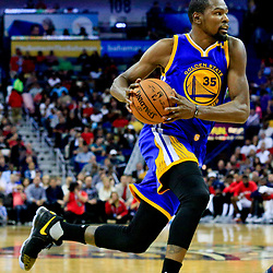 Oct 28, 2016; New Orleans, LA, USA;  Golden State Warriors forward Kevin Durant (35) against the New Orleans Pelicans during the first quarter of a game at the Smoothie King Center. Mandatory Credit: Derick E. Hingle-USA TODAY Sports