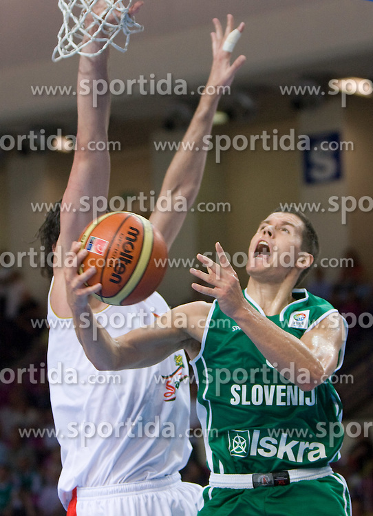 Jaka Lakovic (5) of Slovenia during the basketball match at Preliminary Round of Eurobasket 2009 in Group C between Slovenia and Spain, on September 09, 2009 in Arena Torwar, Warsaw, Poland. Spain won 90:84 after overtime.(Photo by Vid Ponikvar / Sportida)