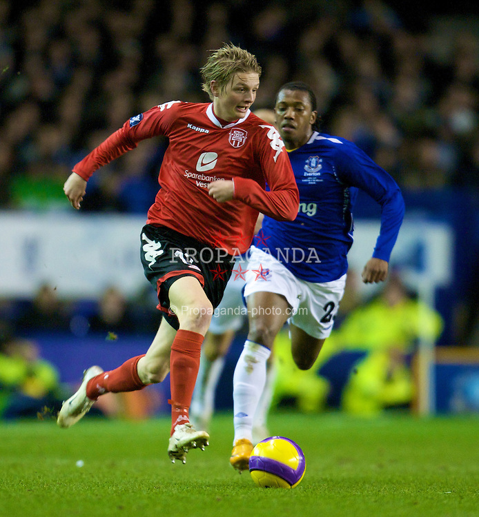 LIVERPOOL, ENGLAND - Thursday, February 21, 2008: SK Brann Bergen's Erik Huseklepp in action against Everton during the UEFA Cup Round of 32 2nd Leg match at Goodison Park. (Photo by David Rawcliffe/Propaganda)