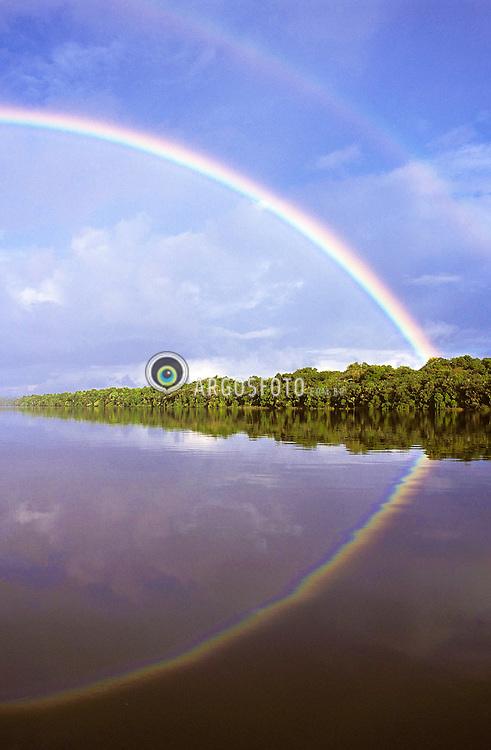 Double rainbow at Uapes River, tributary of the Black (Negro) River, on Amazon / Arco Iris no Rio Uapes, afluente do Rio Negro, na Amazonia