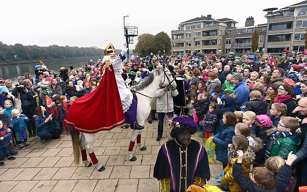 Nederland, Malden, 17-11-2013Aankomst, intocht van de Sint.Foto: Flip Franssen/Hollandse Hoogte