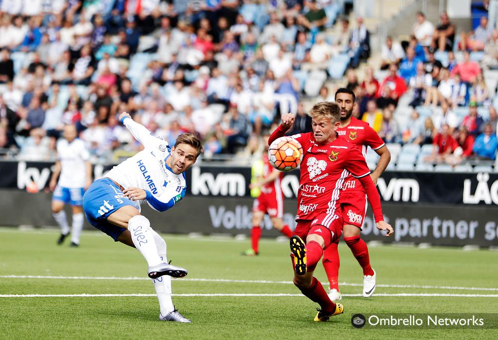 NORRKÖPING, SWEDEN - JULY 16: Christoffer Nyman of IFK Norrköping shoots during the allsvenskan match between IFK Norrköping and Östersunds FK at Östgötaporten on July 16, 2016 in Norrköping, Sweden. Foto: Nils Petter Nilsson/Ombrello