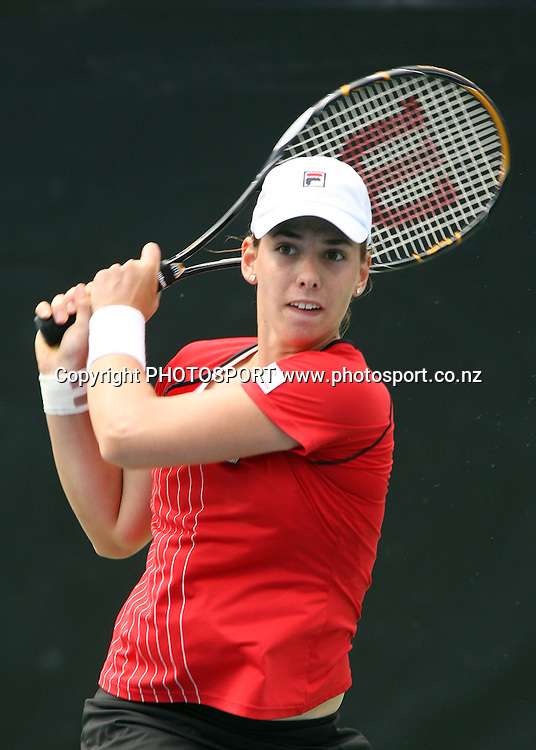 New Zealand's Marina Erakovic in action on centre court against her first round opponent Nuria Vives (ESP) during the second day at the ASB Classic, Stanley st Tennis Centre, Auckland, New Zealand. Tuesday 6 January 2009. Photo: Andrew Cornaga/PHOTOSPORT