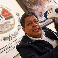 TOLUCA, México.- Luis Zamora Calzada, secretario general del SUMAEM, en conferencia de prensa afirmo que este sindicato solicitara la destitución del secretario del Trabajo mexiquense, Fernando Maldonado, ya que se niega a reconocer esta agrupación. Agencia MVT / Crisanta Espinosa. (DIGITAL)
