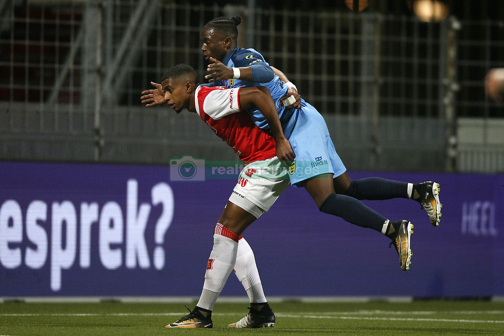 (L-R), Steven Pereira of MVV Maastricht, Isaa Kallon of SC Cambuur during the Jupiler League match between MVV Maastricht and SC Cambuur at the Geusselt on September 22, 2017 in Maastricht, The Netherlands.
